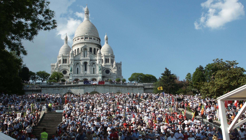 La Basilique Du Sacre Coeur A Montmartre District Du Benelux